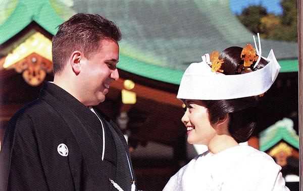 結婚式 国際結婚 海外 神前式 白無垢 外国人の紋付 神社